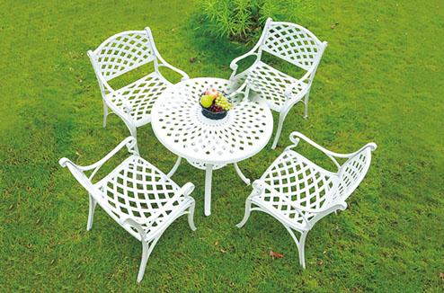 TOP 6: Bộ bàn ghế ngoài trời tone màu trắng tinh tế EK028